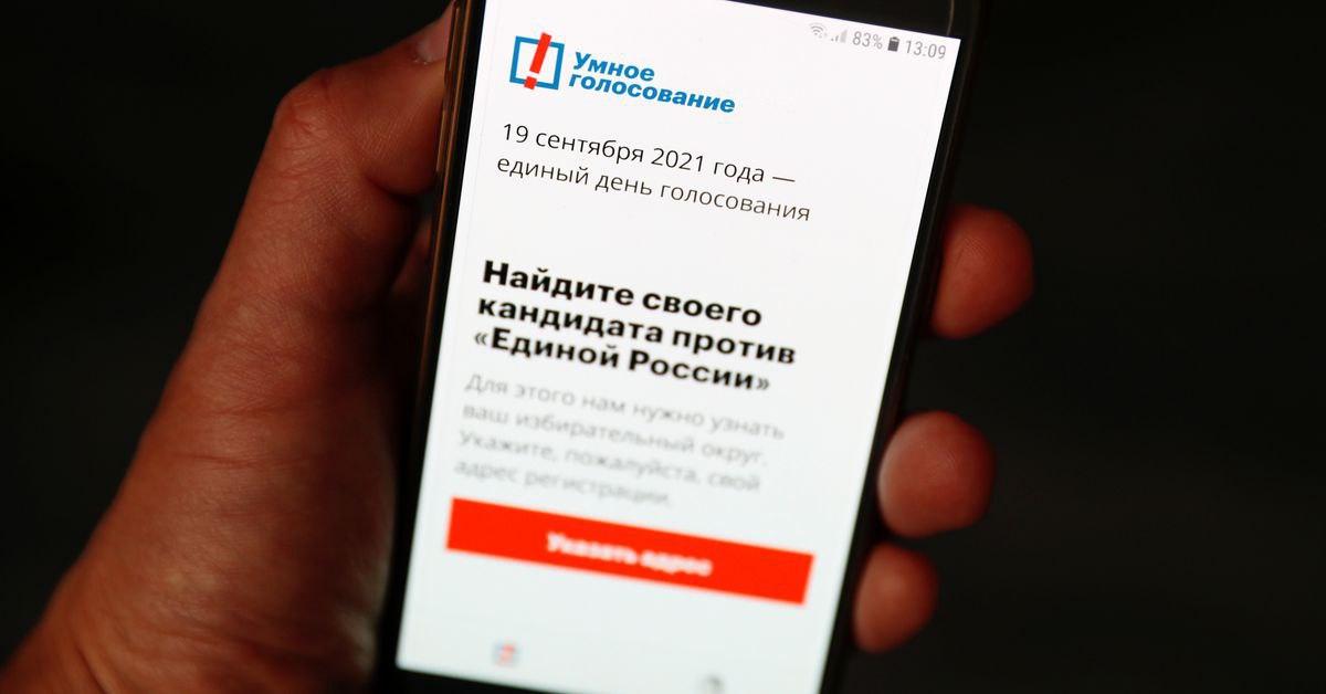 Вот теперь все, последний оплот над цензурой пал: Эппл и Гугл синхронно удалили приложение Navalny из своих сторов, чтобы избежать обвинений о вмешательстве в выборы в России. Технически приложение больше невозможно установить из русских сторов, но можно и